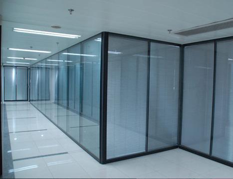 大连办公隔断浅析如何设计办公室办公隔断及发展趋势